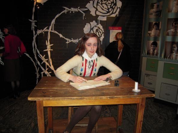 Anne Frank på Madame Tussauds i Berlin