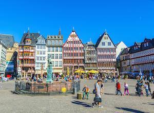 Bild på det vackra torget Römerberg